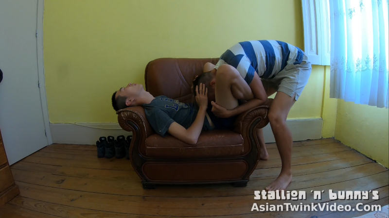 Gay Twink Sex Armchair Lessons 2.